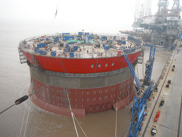 On March 17 the final level IV blocks of the Western Isles FPSO were lifted and installed, effectively competing the hull