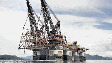 The massive Heerema crane barge Thialf