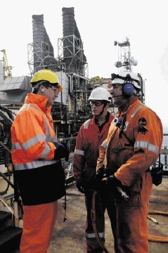 Cameron urged to reduce North Sea taxation