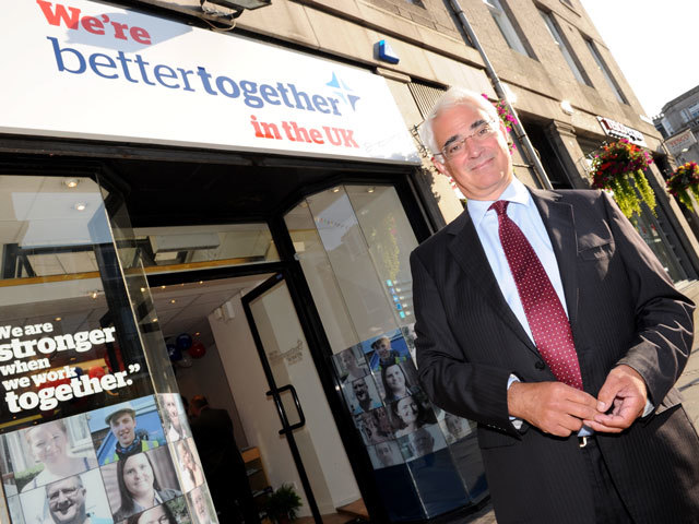 Alistair Darling in front of the Better Together in Aberdeen