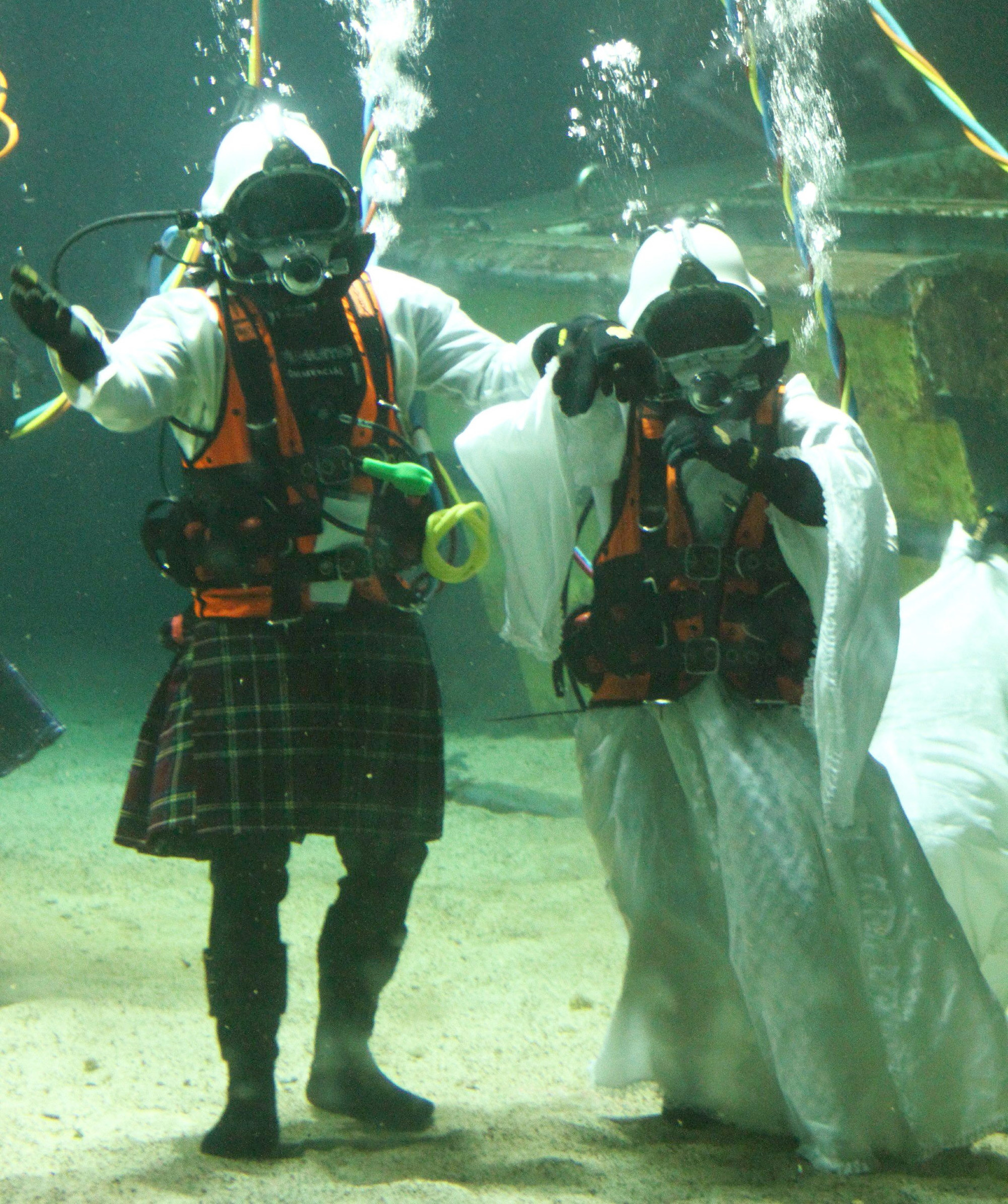 James Abbot and Dorota Bankowska married at the Underwater Centre in Fort William