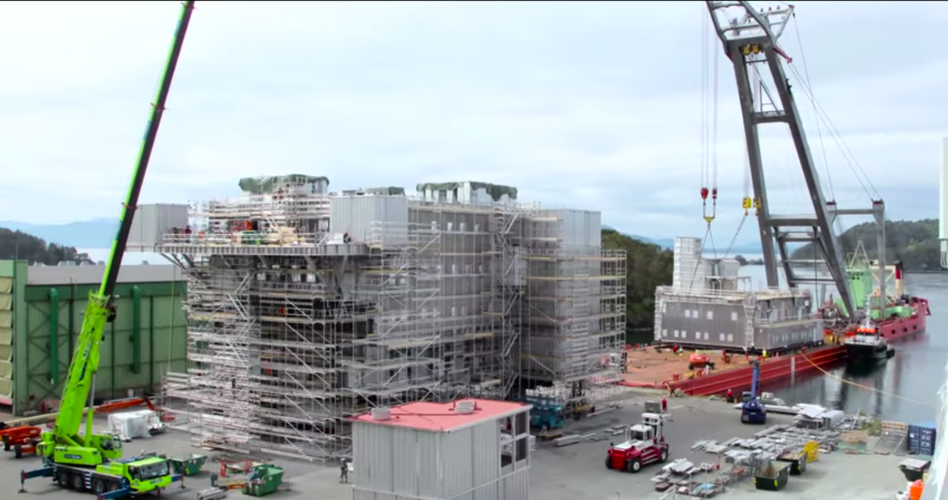 Video: Time-lapse shows Gina Krog living quarters being put in place