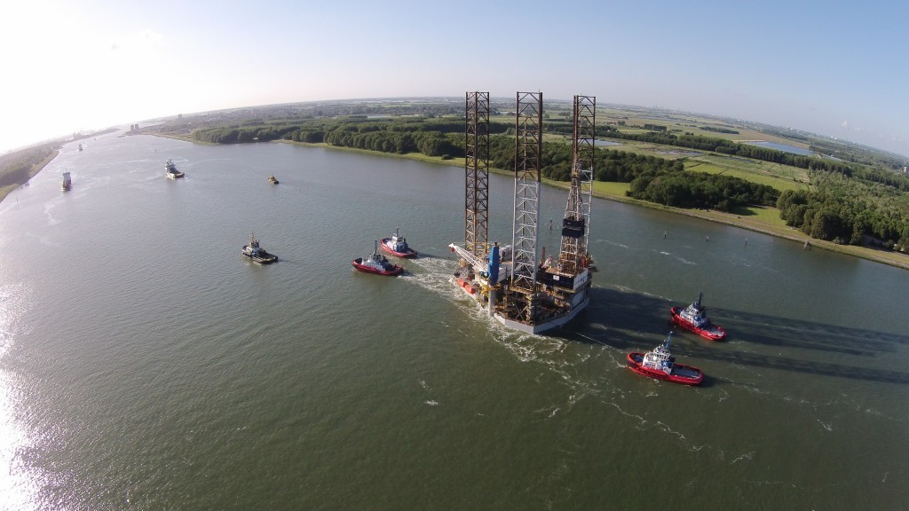 The B391 drilling rig leaves Rotterdam
