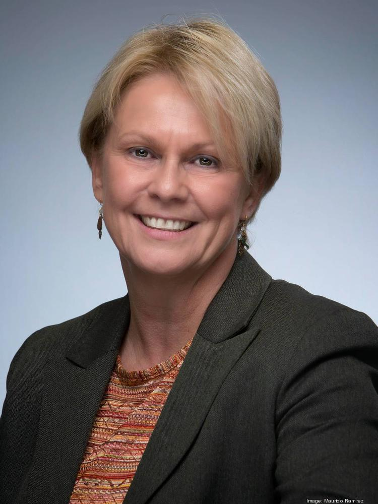 Vicky Hollub, Occidental's first  incoming female boss