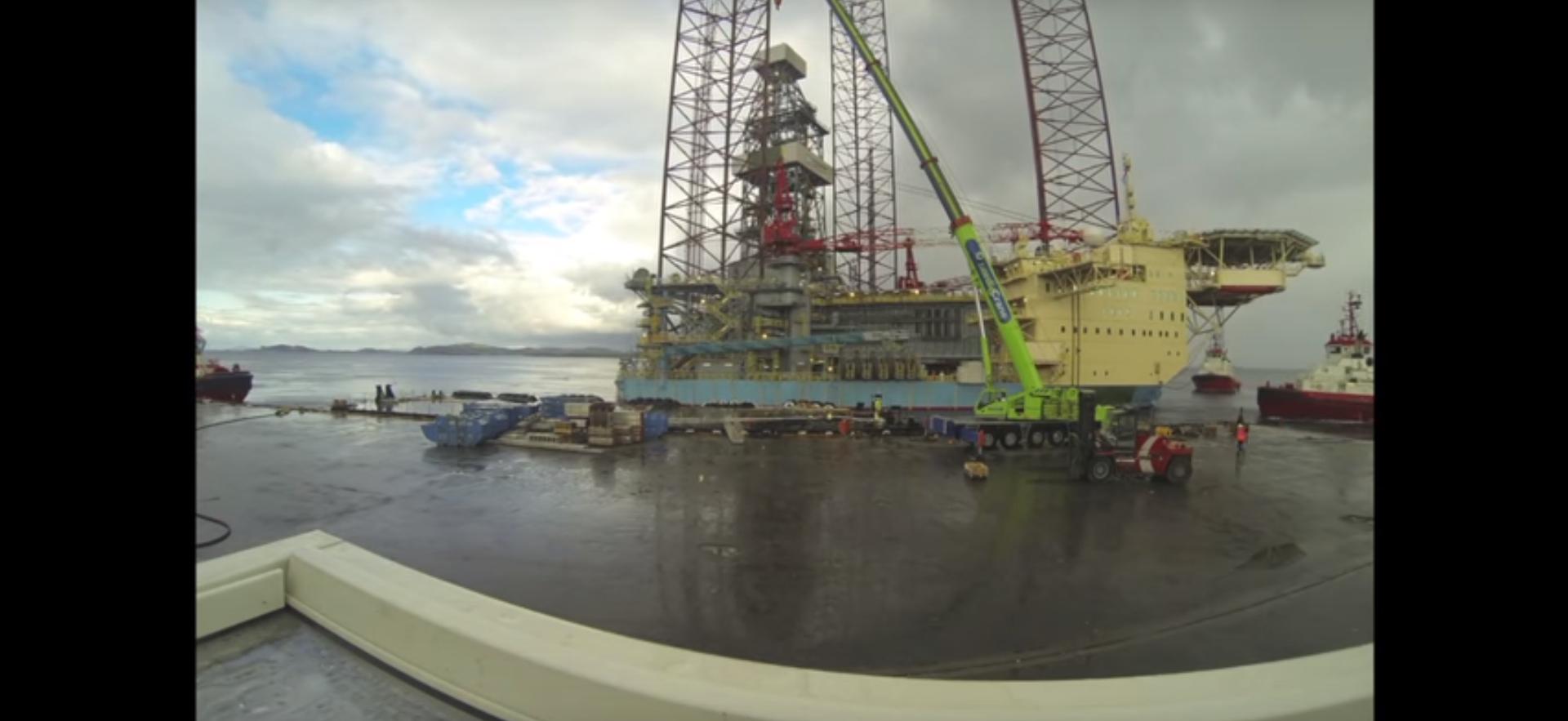 Video: Timelapse of worlds largest jack-up rig
