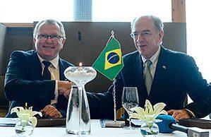 Statoil CEO Eldar Sætre (left), with Petrobras CEO, Pedro Parente, earlier this year.
