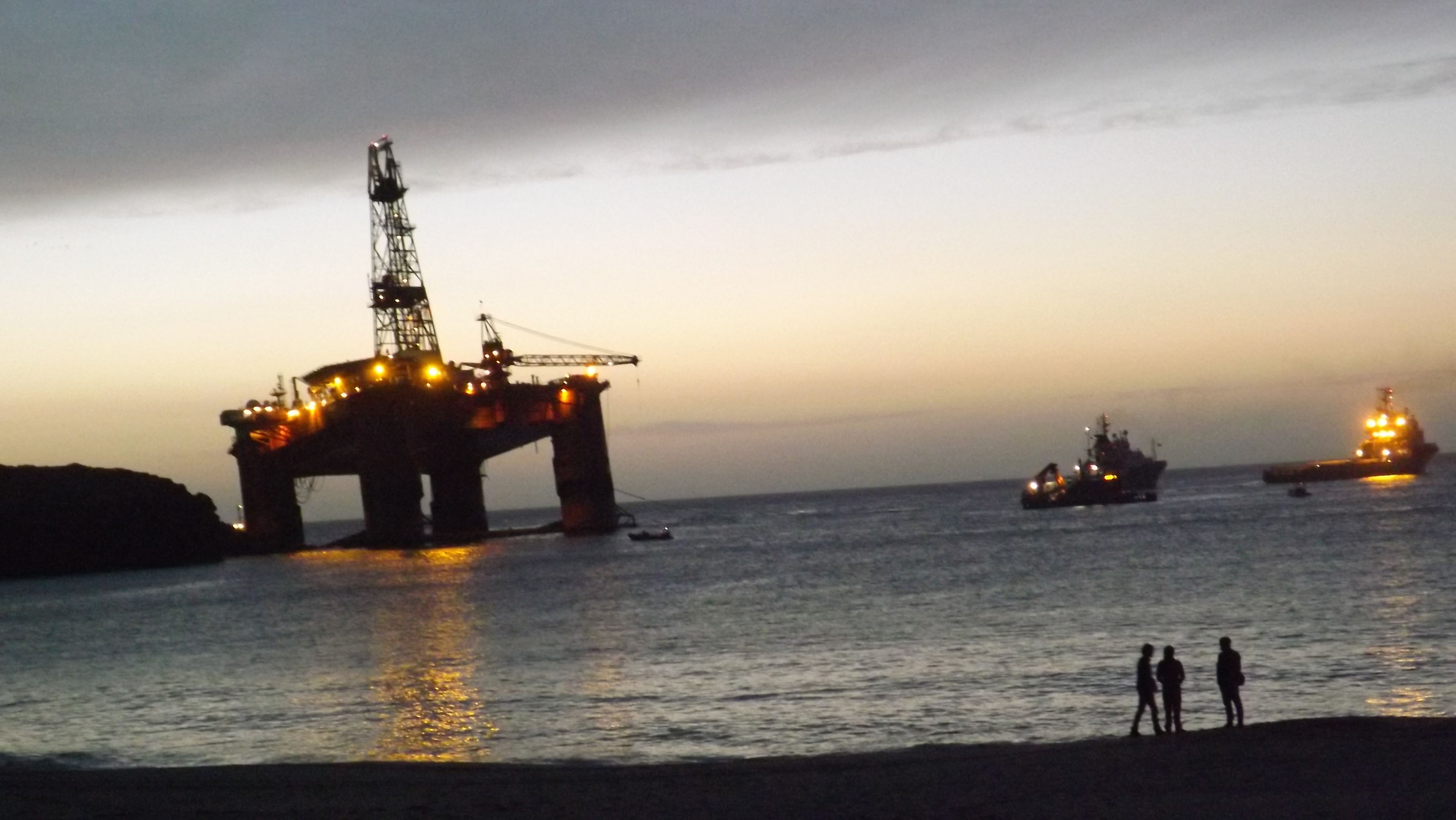 The Transocean Winner at the start of its refloat operation.
