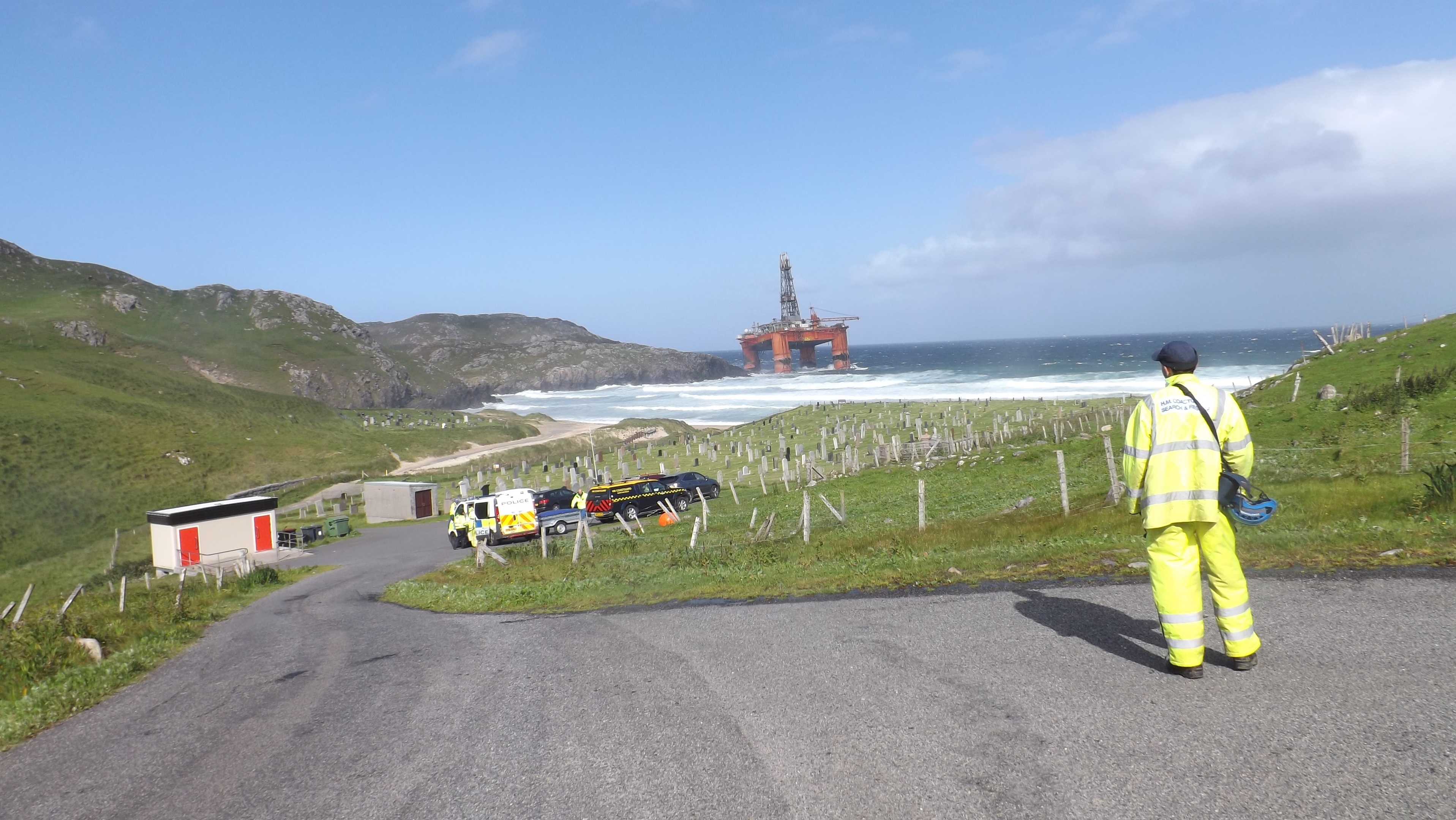 Transocean's drilling rig aground