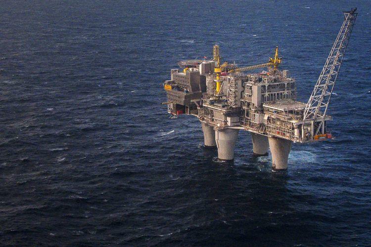 An oil rig