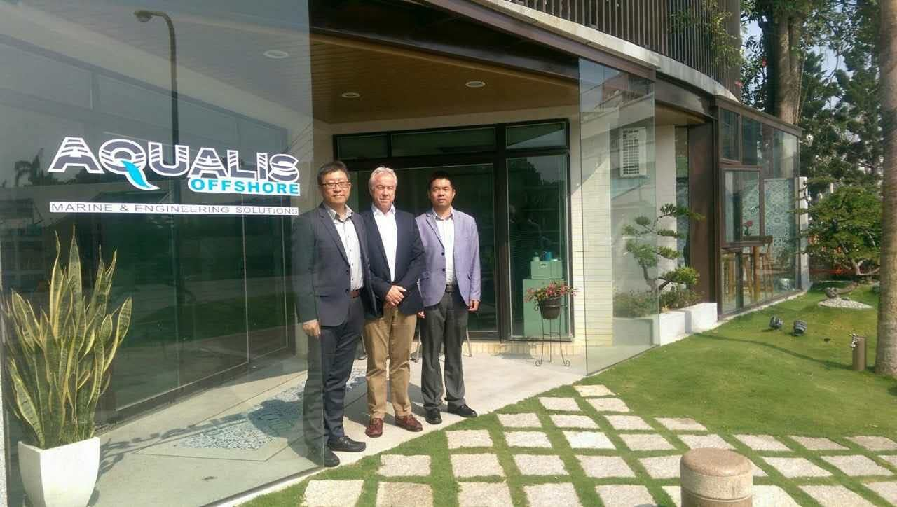 From left to right: Tim Ho, head of Taiwan office; Phil Lenox, director – Asia Pacific; and Peng Yongfei, country manager China.