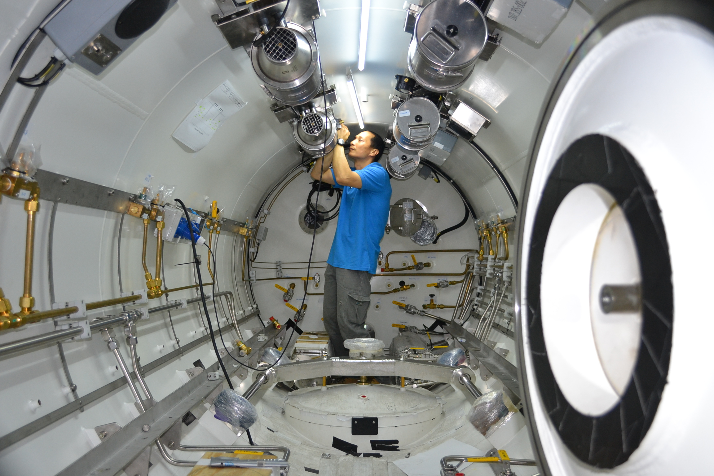 Fitting out work on the internal hyperbaric chamber