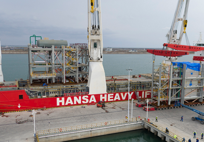 Hansa completes a 13 module lift from China to Australia.