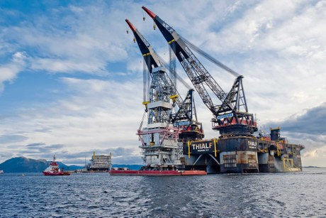 Aibel reached a preliminary climax in the construction of the Johan Sverdrup drilling platform right before midnight on Monday, when the final of three modules was lifted into place in Klosterfjorden.