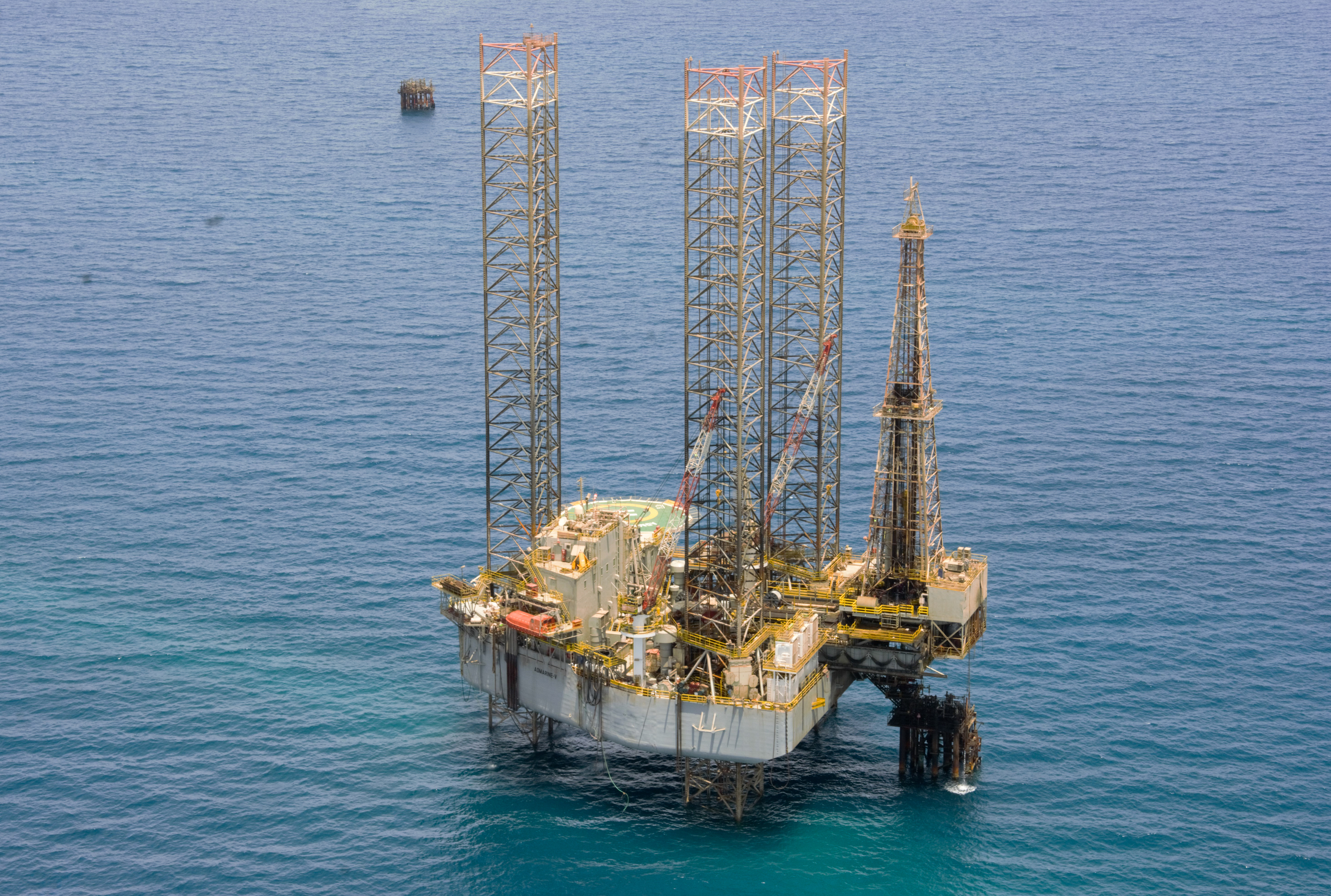 The Admarine V rig, which was contracted to Belayim Petroleum Co. (Petrobel), a joint venture between ENI IEOC and Egyptian General Petroleum Corporation (EGPC) in July.