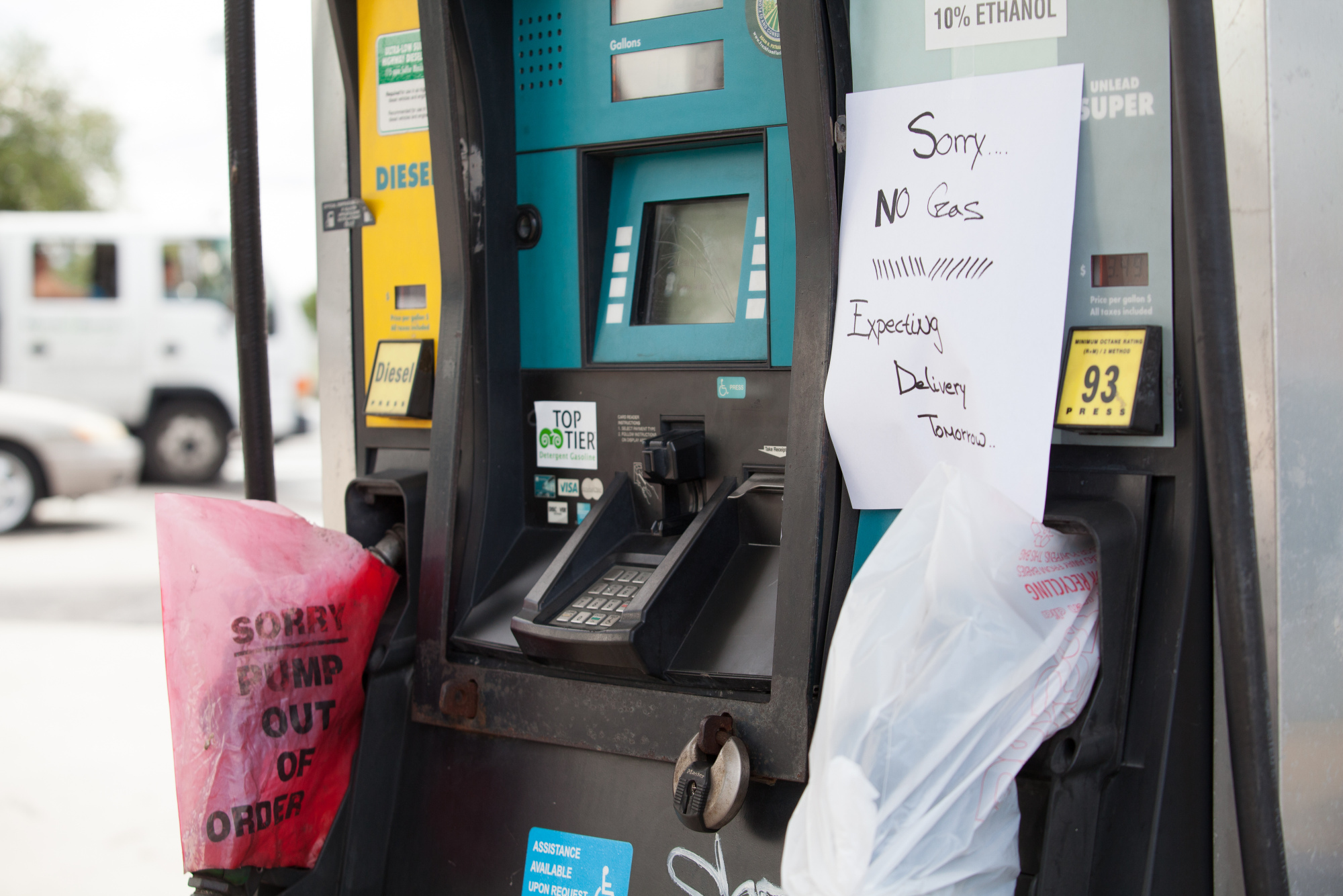 """A sign reading """"Sorry...No Gas"""" is displayed on a fuel pump at a Valero Energy Corp. gas station ahead of Hurricane Irma in Miami, Florida, U.S., on Wednesday, Sept. 6, 2017. Photographer: Jayme Gershen/Bloomberg"""