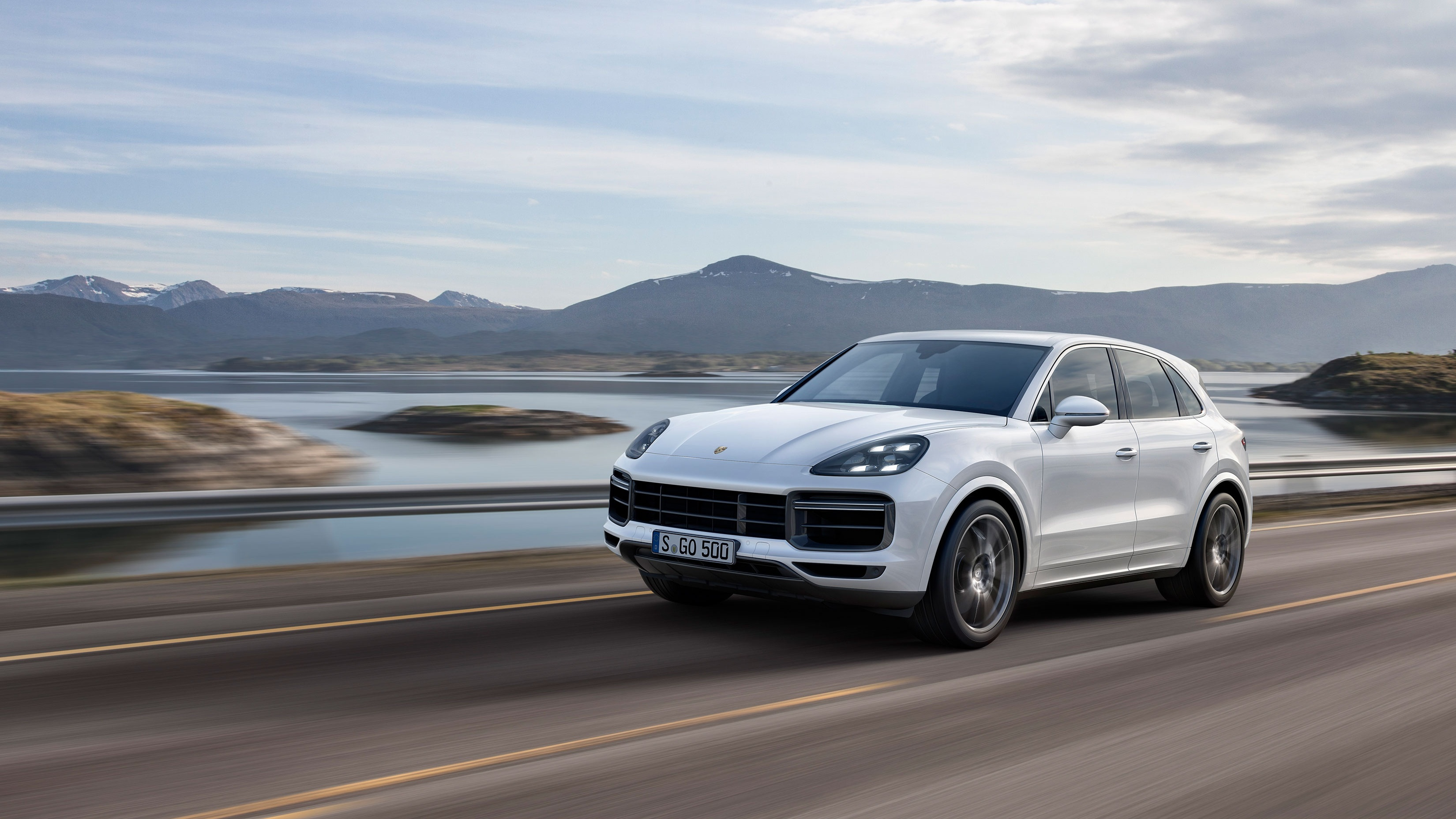 Porsche reveals new range-topping Cayenne Turbo