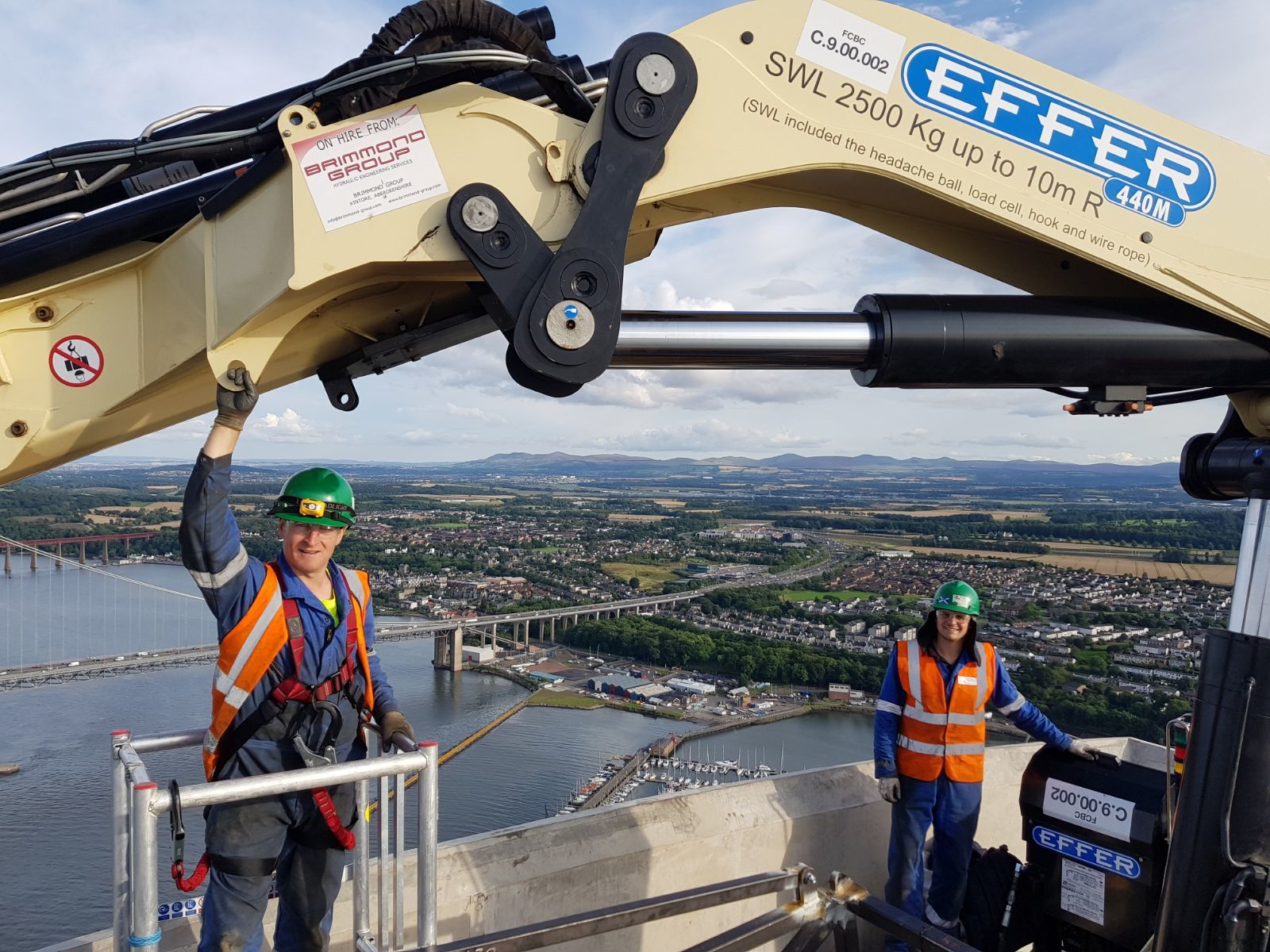 One of Brimmond's Effer cranes at the top of the Queensferry Crossing.
