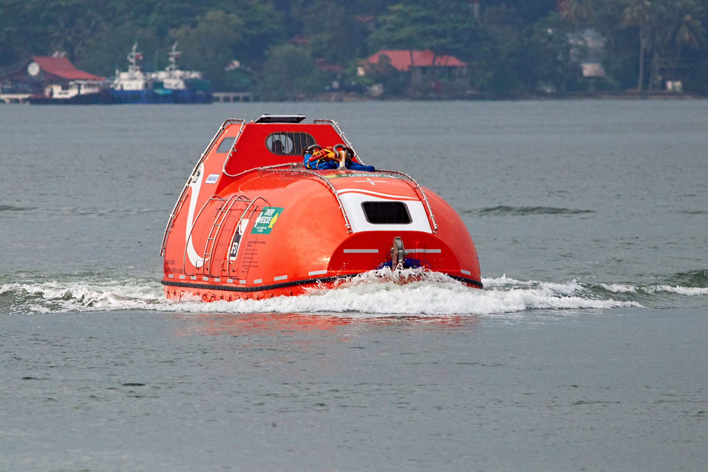 JFD hails delivery of new hyperbaric lifeboats