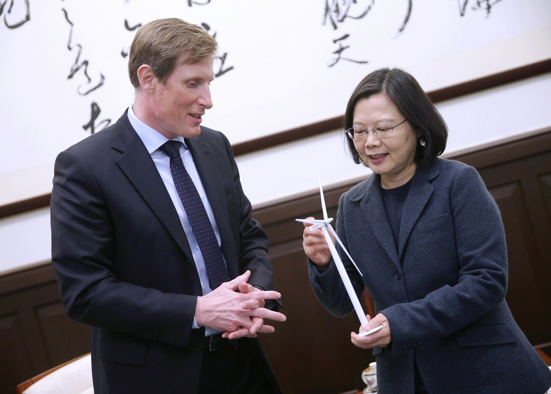 Samuel Leupold meeting President Tsai of Taiwan.