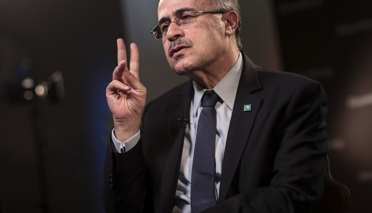 Amin Nasser, chief executive officer of Saudi Arabian Oil Co. (Aramco), gestures as he speaks during a Bloomberg Television interview on day two of the World Economic Forum (WEF) in Davos, Switzerland, on Wednesday, Jan. 24, 2018. Photographer: Simon Dawson/Bloomberg