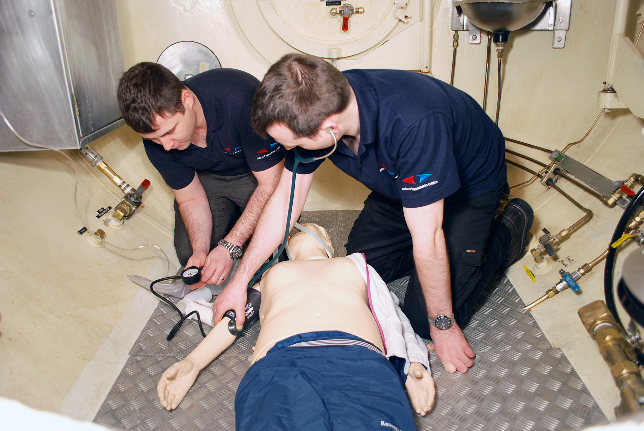 Practical training module for IMCA Diver Medic Technicians at JFD's National Hyperbaric Centre.