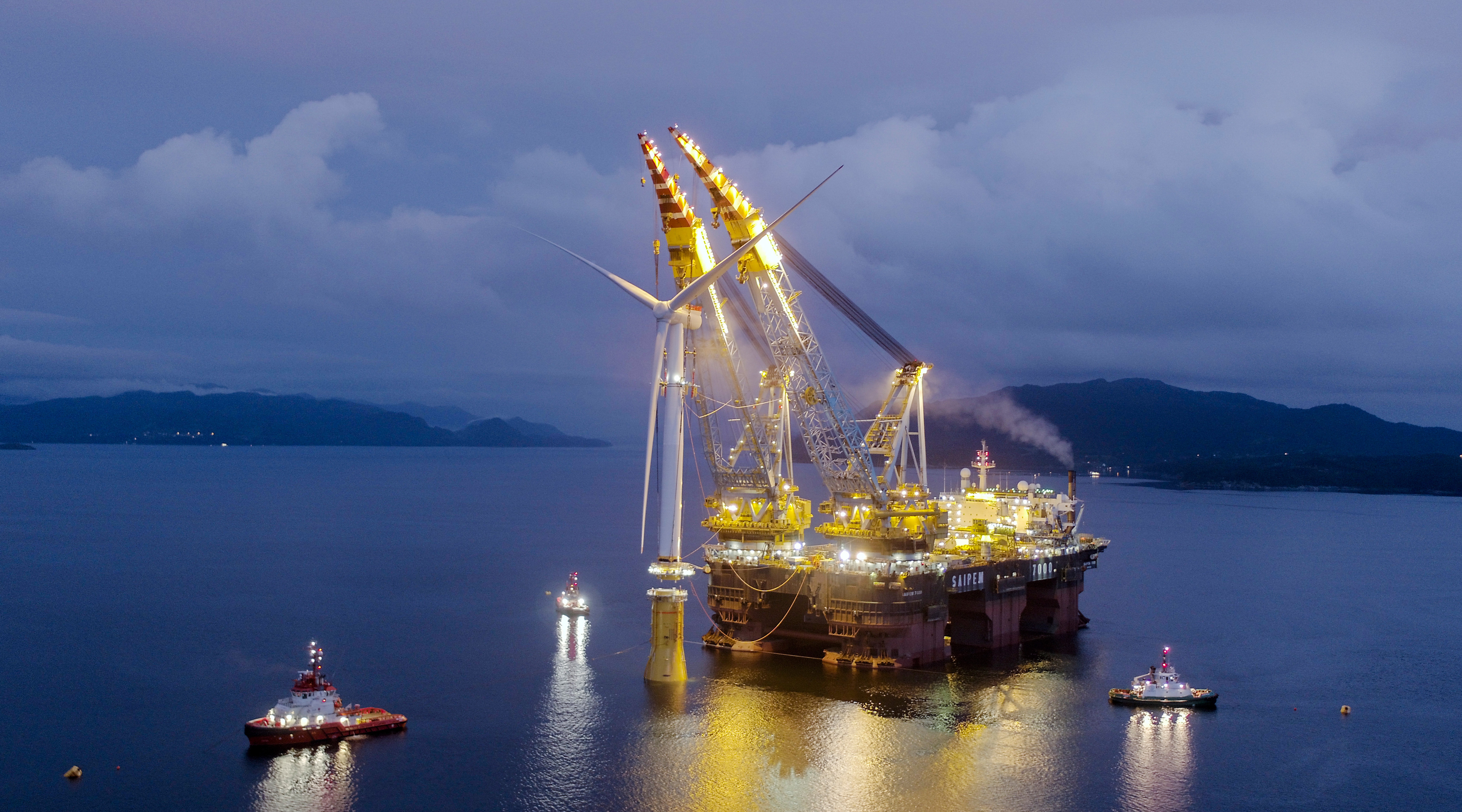 The Saipem 7000 lifting the Hywind turbine towers into their floating foundations