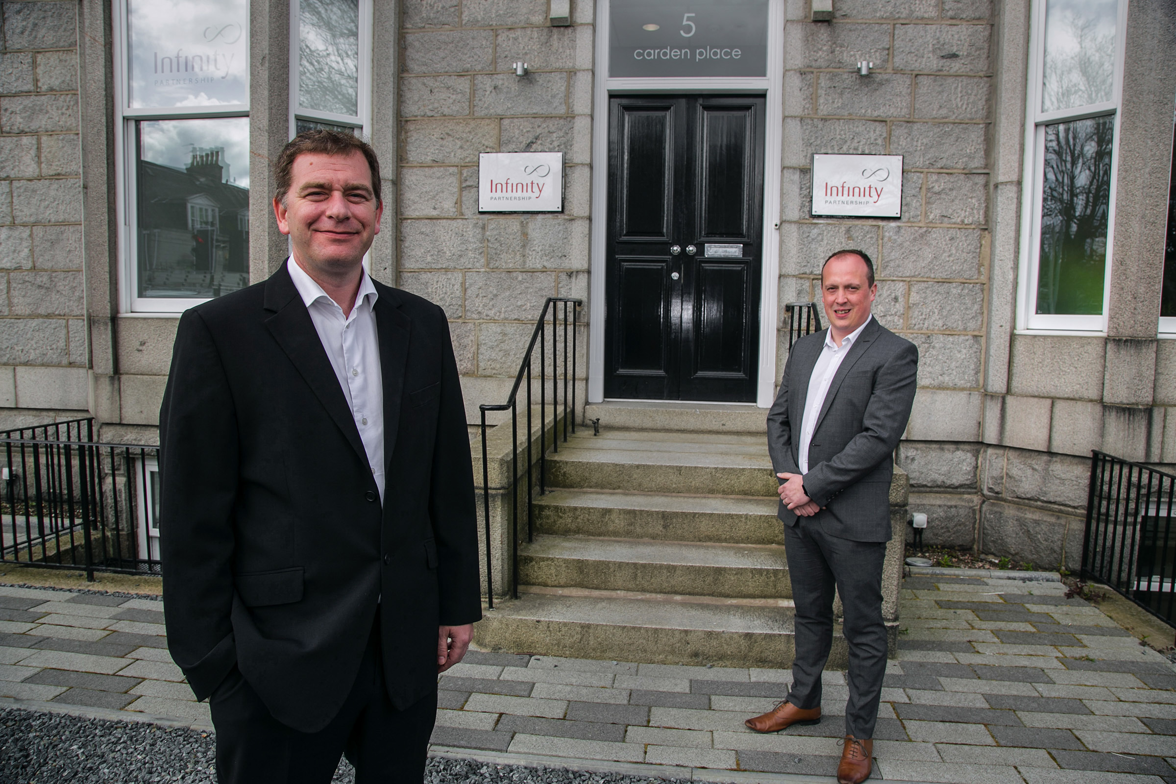 Simon Cowie, MD at Infinity Partnership (left), and the company's client relations manager Greg Houston