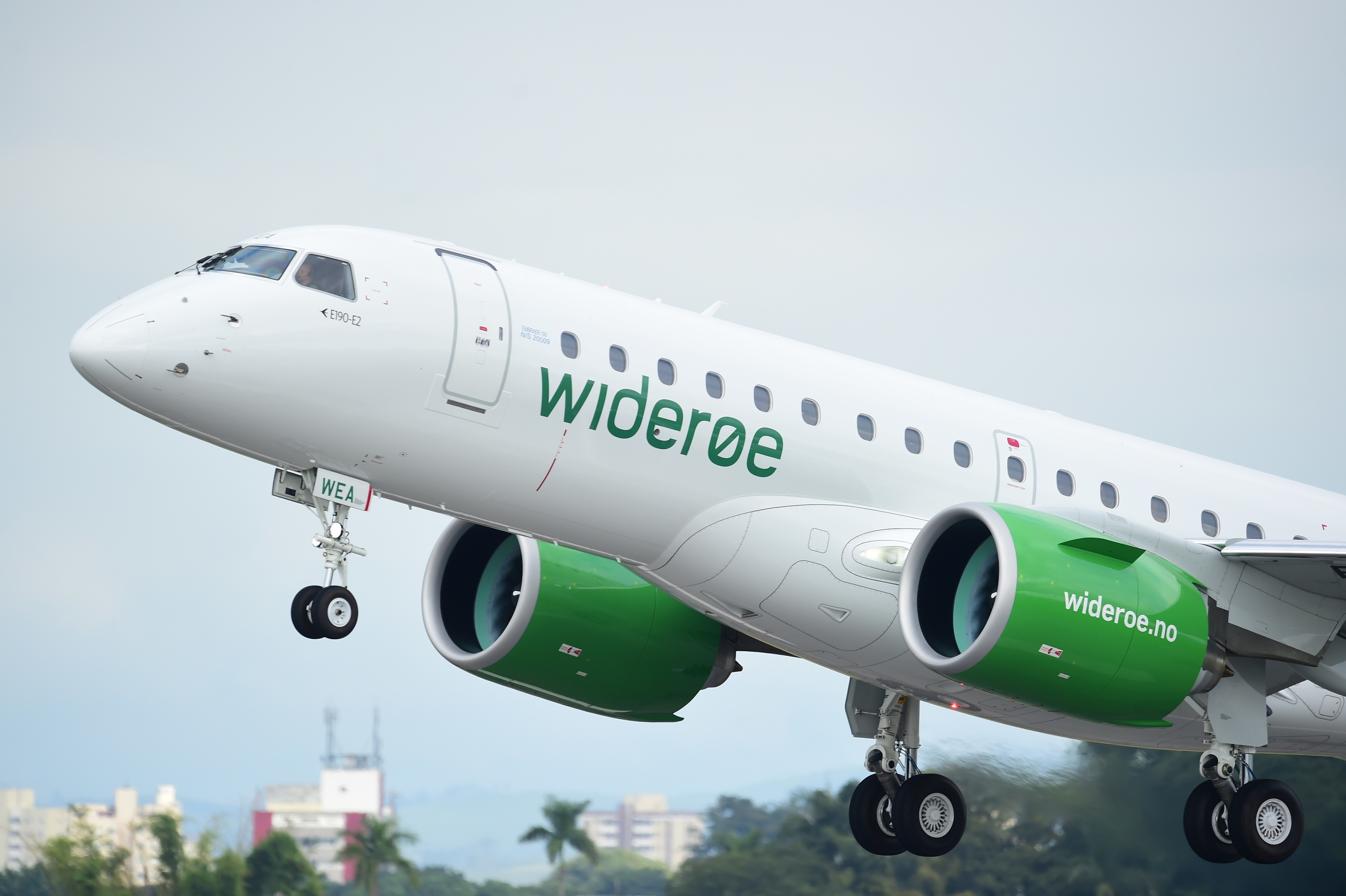 Widerøe's new Embraer E190-E2 jet aircraft
