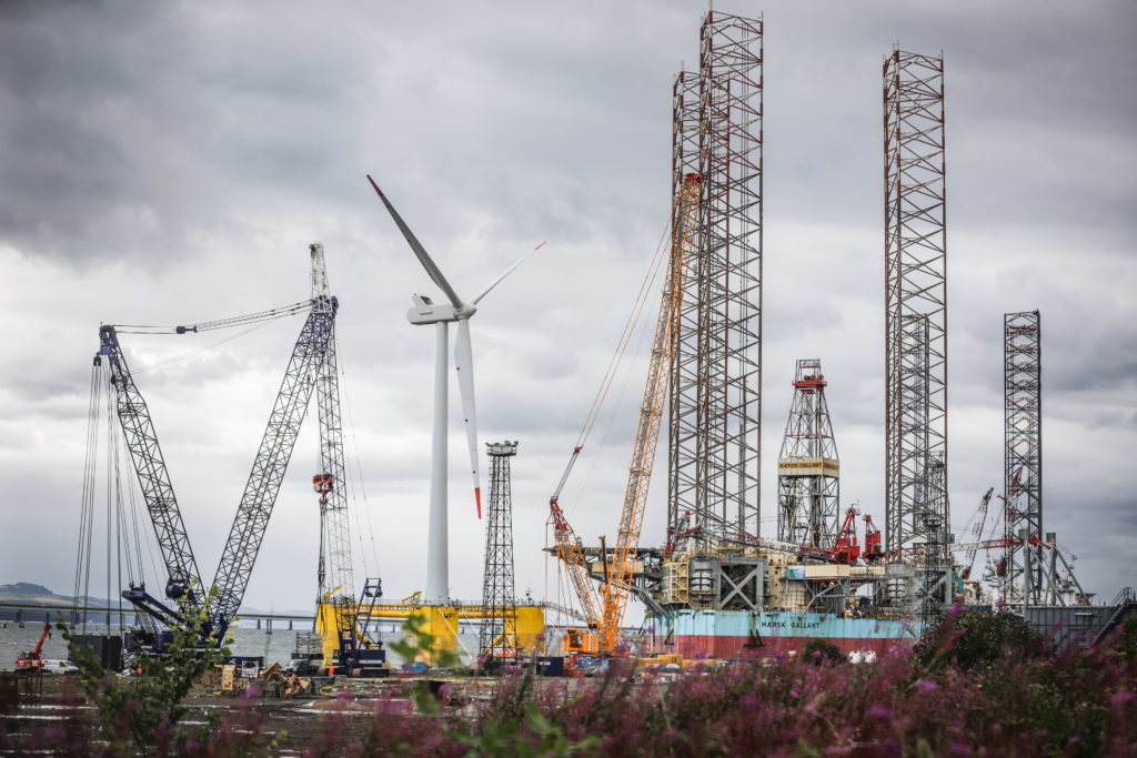 Courier/Tele News. Dundee story. CR0002827 . Work has been ongoing at Dundee Docks / Forth Ports Dundee, on a wind turbine for an offshore windfarm. Pic shows; the wind turbine at Forth Ports, Dundee. Friday, 27th July, 2018.