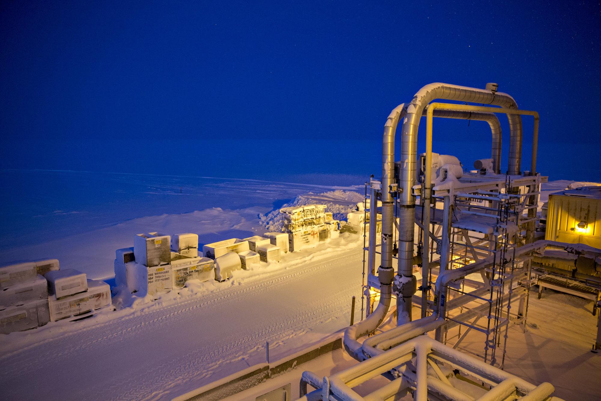 Snow covers the frozen Beaufort Sea in Harrison Bay, Alaska. Photographer: Daniel Acker/Bloomberg