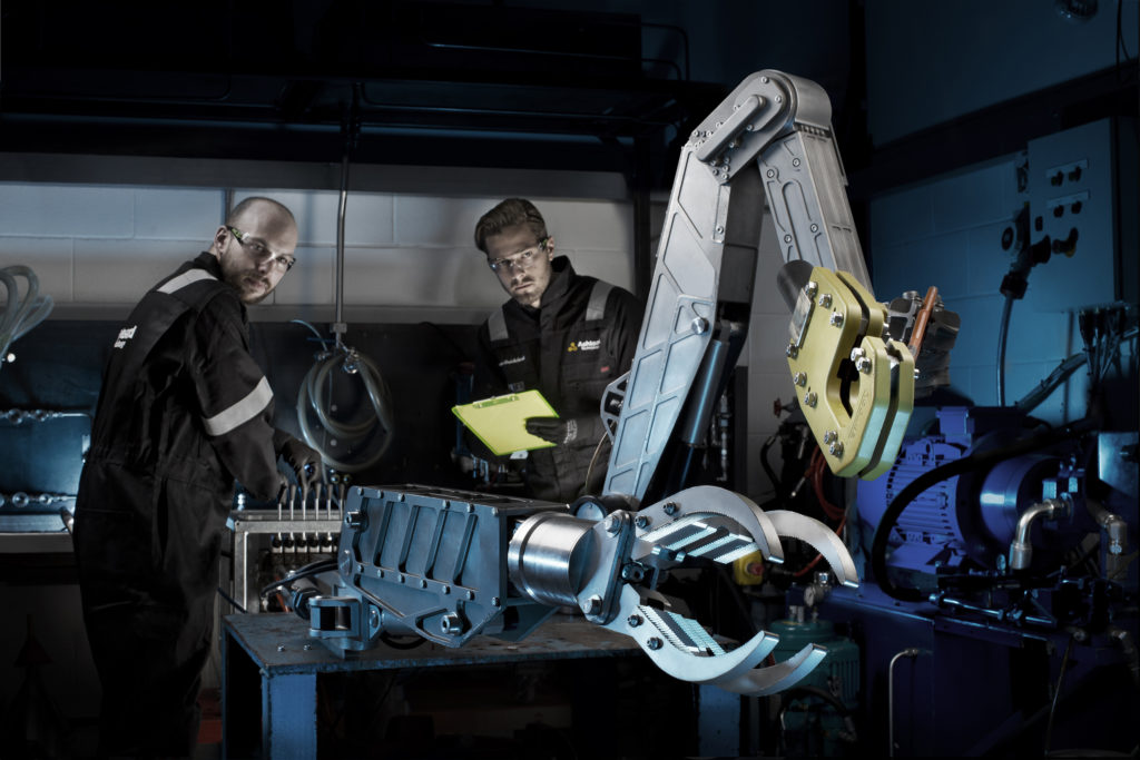 Ashtead will offer Oceaneering's range of ROV tools and systems for rental from its facilities in Aberdeen, Abu Dhabi, Houston and Singapore.