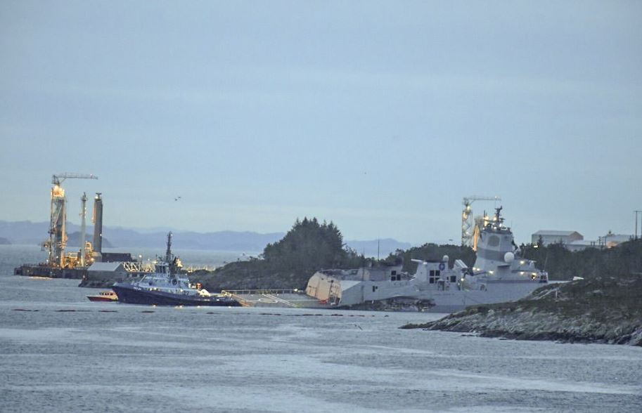 Tanker collision at Sture