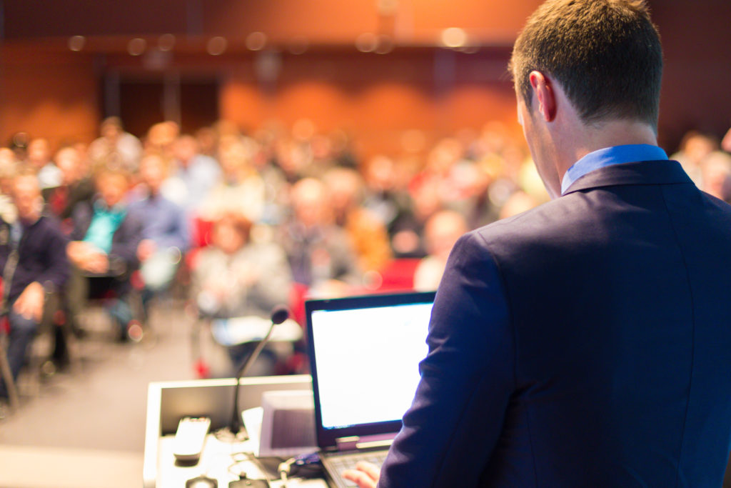 Leading management consultants will talk about industry developments at the seminar.