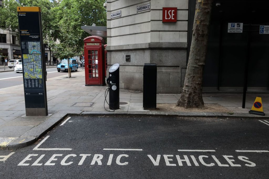 A parking area for electric vehicles in London. Photographer: Simon Dawson/Bloomberg