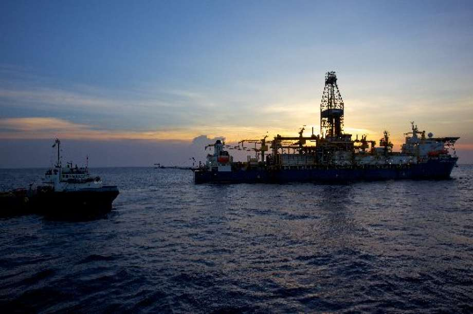 Colombia's energy agency announced Tuesday that Noble is buying a 40 percent stake in Shell's contracts to potentially develop the South American nation's offshore fields.