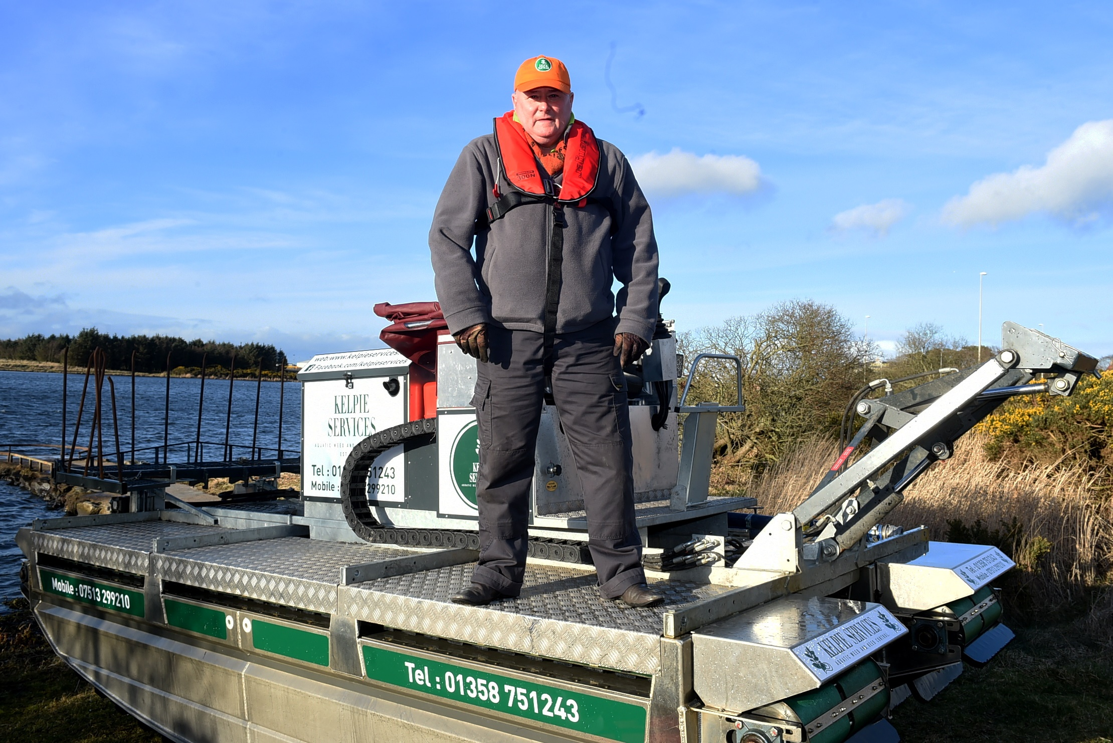 CR0007006 Stuart Johnston with his kelpie at Loirston Loch, Aberdeen.  Picture by Jim Irvine  13-3-19
