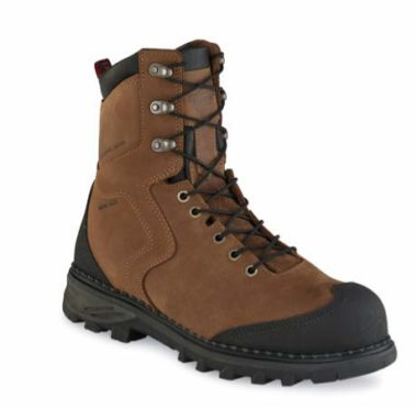Red Wing Shoe Company owns the entire process to ensure top quality — from material sourcing through product design, testing, distribution and post-sale service. The Red Wing Burnside boot for men offers best-in-class safety performance attributes without sacrificing ultimate comfort.