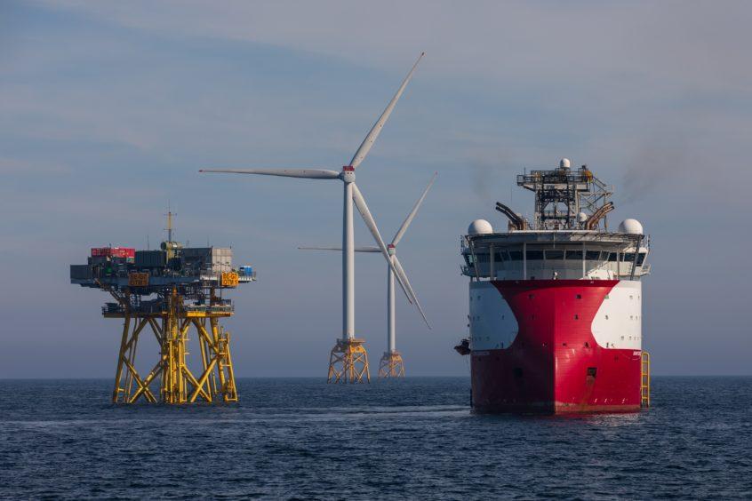 UK wind £50bn overseas