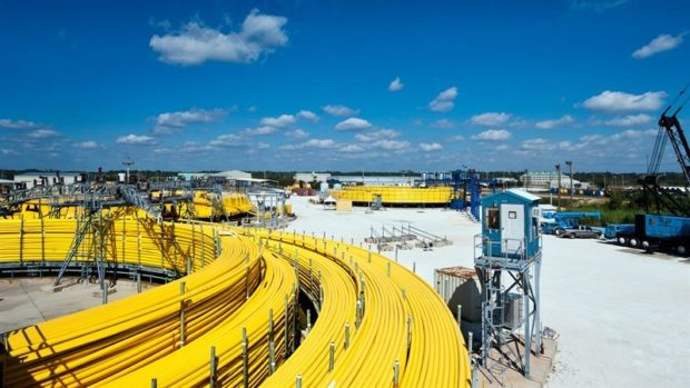 Aker will provide four steel tube umbilicals spanning more than 100 kilometers in total.