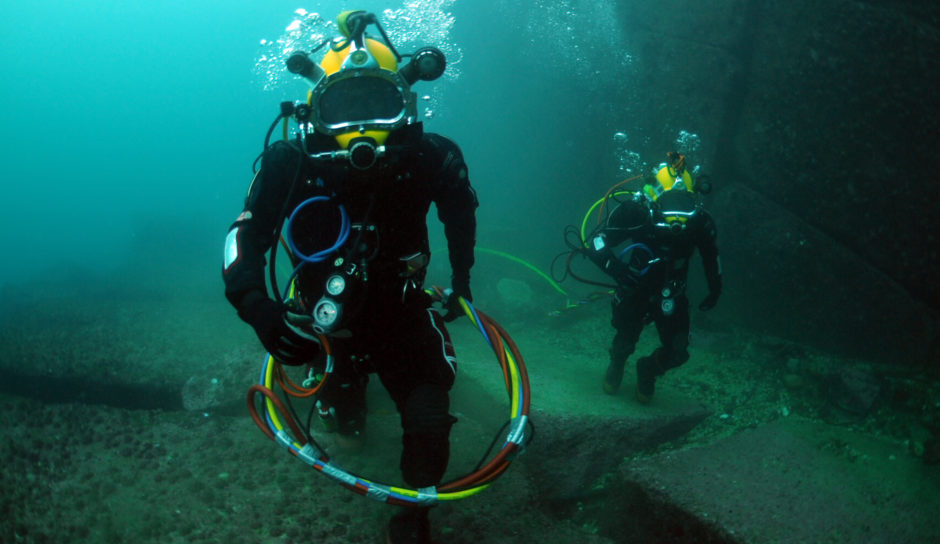 Offshore  saturation divers. Pic: US Navy