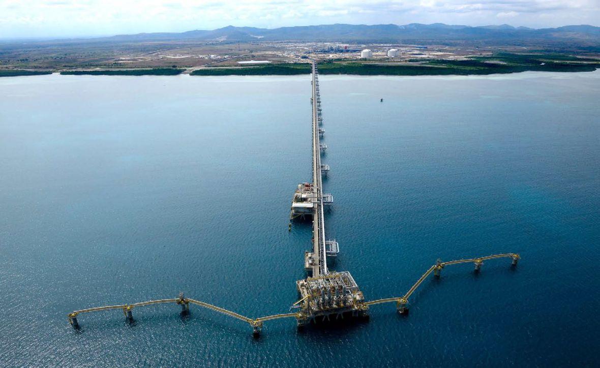 Oil crash dashes hopes of green carbon push