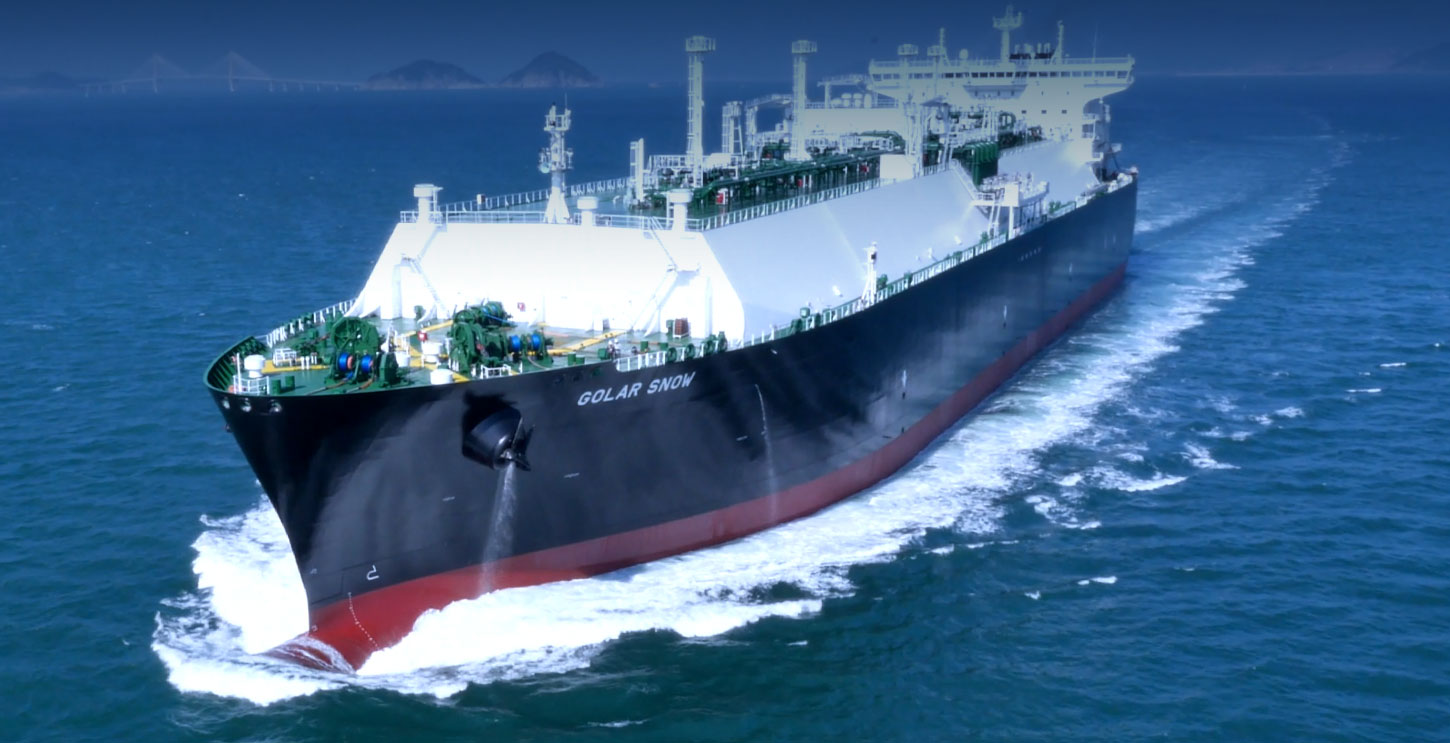 LNG vessel cruises through sea with bow wave