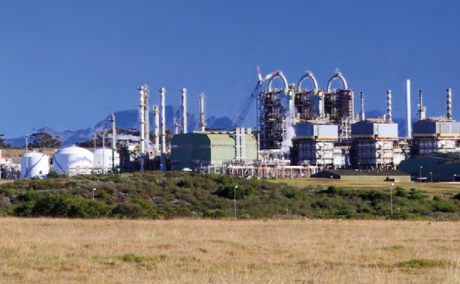 A Parliamentary committee supports plans to remedy problems at PetroSA's GTL facility, while also seeking insight into where things went wrong.