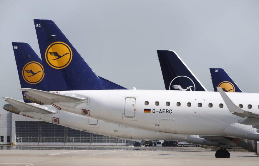 The Deutsche Lufthansa aircraft on the tarmac at Munich airport. Photographer: Michaela Handrek-Rehle/Bloomberg
