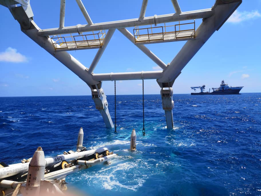 Laying pipelines offshore Malaysia