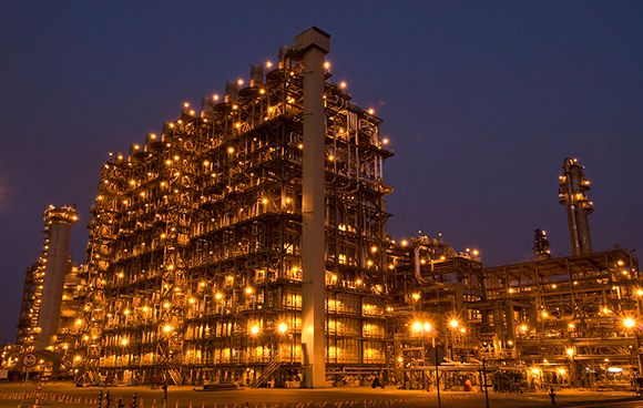Japan's JGC Corp. has won reconstruction work at the Basrah refinery, in Iraq, where it will boost capacity and improve environmental standards.