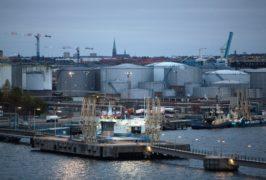 Sweden's government dodges Green split after oil plans shelved