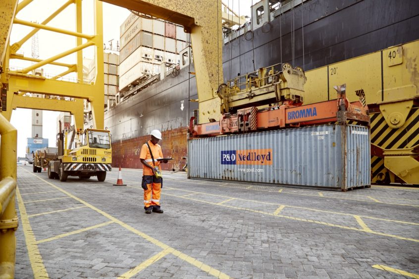DP World has signed up to operate the port of Luanda, in Angola, and construct a new deepwater terminal in Senegal.