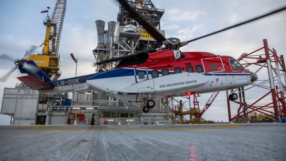 Sikorsky S-92 helicopter at the Gina Krog field in the North Sea. (Photo: Øyvind Gravås - Woldcam / Equinor ASA)