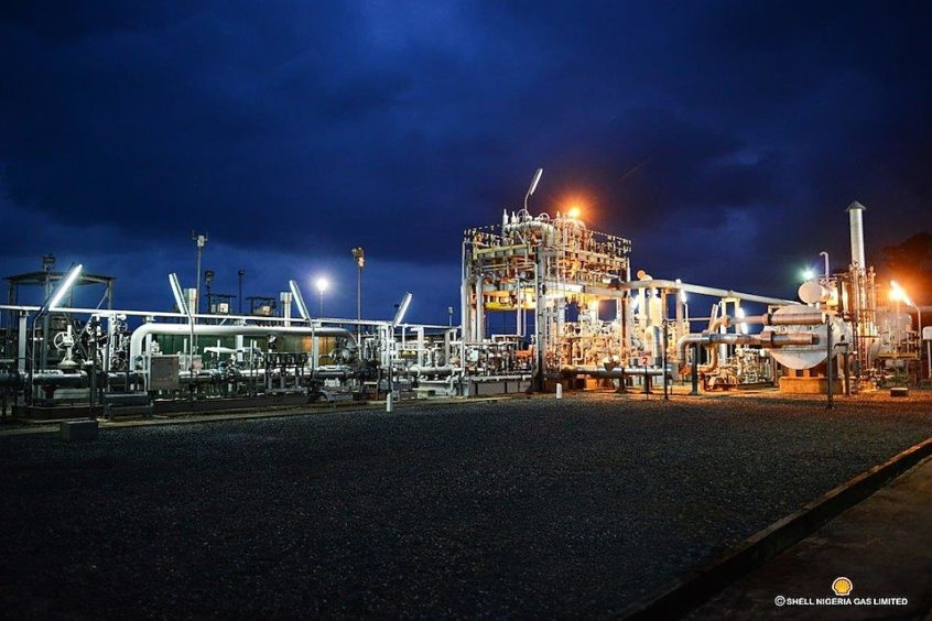 Shell Nigeria Gas has signed a 20-year deal to supply gas to industrial consumers in Lagos and Ogun states.